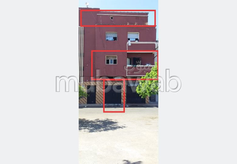 House for sale. Small area 100.0 m². Basement.