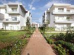 بيع شقة بالدارالبيضاء. المساحة الإجمالية 225.0 م². مسبح كبير.