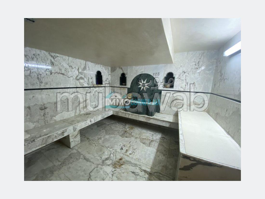 Magnífica villa en venta. 7 Salas. Vista excepcional a las montañas, puerta blindada.