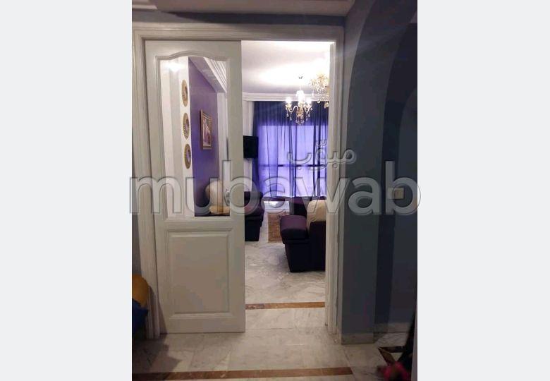Location d'un appartement. 3 chambres agréables. Bien meublé