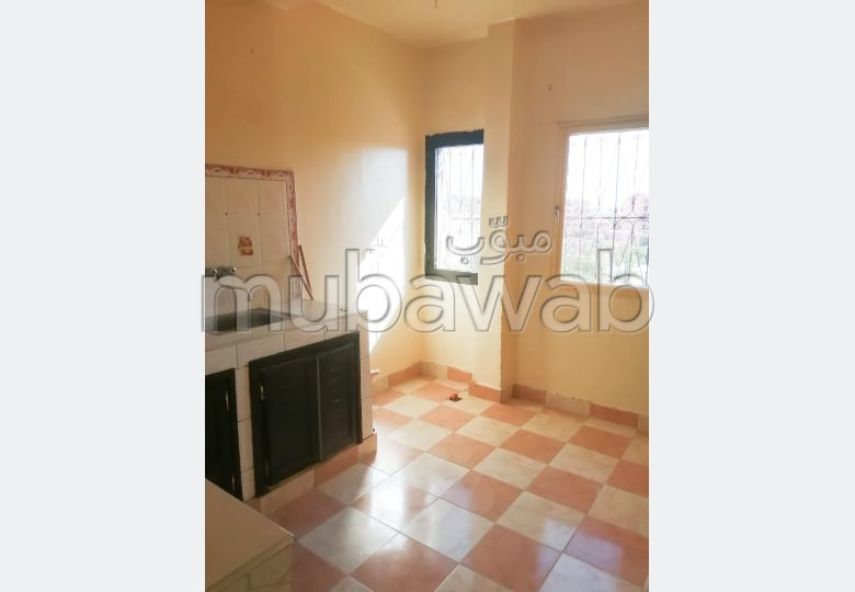 شقة للشراء بمراكش. المساحة الإجمالية 71.0 م². إقامة بالبواب.