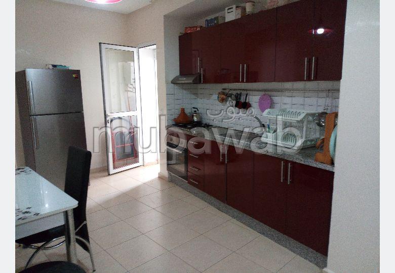 شقة للبيع بالقنيطرة. المساحة 77.0 م². مصعد ومرآب.