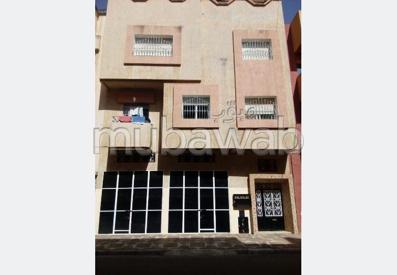 House to buy. Large area 106 m². Carpark, Balcony.