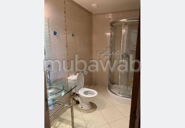 شقة للبيع بأصيلا. المساحة 183.0 م². صالة أصيلة ، طبق الأقمار الصناعية.