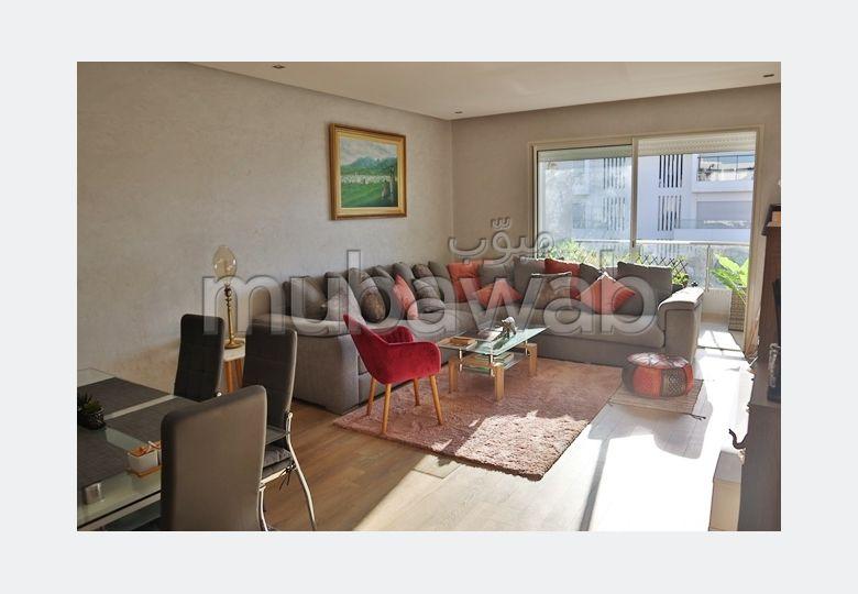 شقة جميلة للبيع ببوسكورة. 3 قطع رائعة. مع مصعد وشرفة.