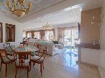 À vendre un luxueux Appartement 4 chambres à Racine au dernier étage
