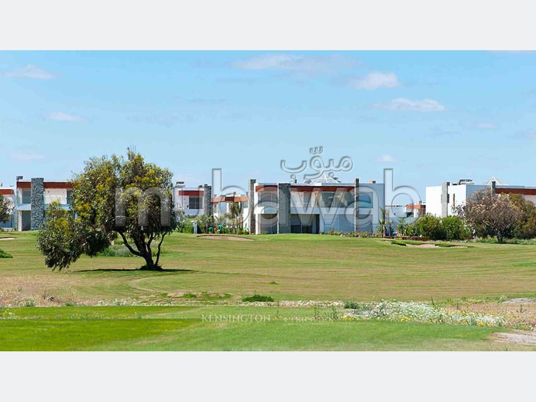 Luxury Villa for sale. 3 beautiful rooms. Gardeners, Large terrace.
