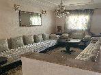 Très belle maison en vente à Casablanca. 3 chambres agréables. Porte blindée et système de double vitrage
