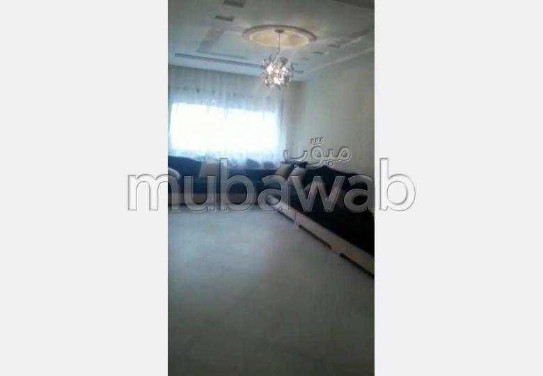 Piso en venta. Dimensión 78.0 m². Puerta pesada, residencia con seguridad.