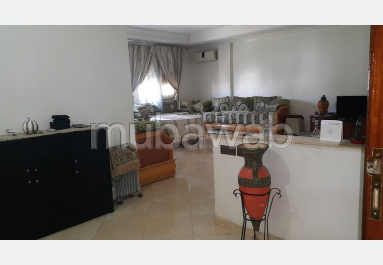 Beautiful apartment for sale. 4 Rooms. With Lift, Balcony.
