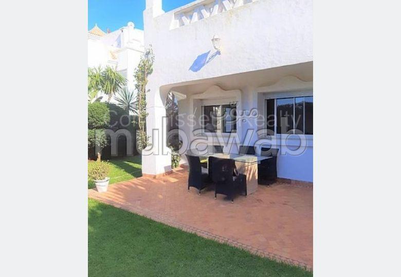 suntuosa casa en venta. Superficie de 630.0 m². Jardín y garaje.