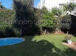 Luxury Villa for sale. Surface area 630 m². Gardeners, Large terrace.