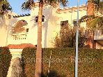 Suntuosa villa en venta. Area 408.0 m². Terraza y jardin.