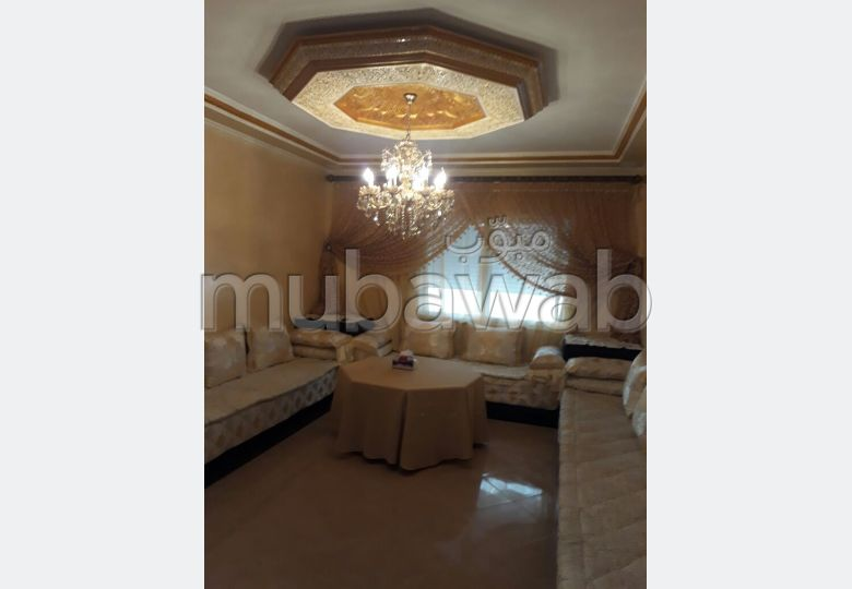 بيع شقة بطنجة. 2 غرف. المرآب والشرفة.