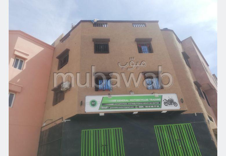 Maison à vendre à Marrakech. 4 pièces. Salon Marocain, sécurité.