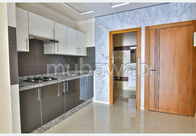 Beautiful apartment for sale. Dimension 81 m².