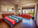 Se alquila este piso. Pequeña superficie 150.0 m². Amueblado.