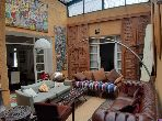 Villa art deco à vendre à Casablanca. 4 grandes pièces. Jardin et garage