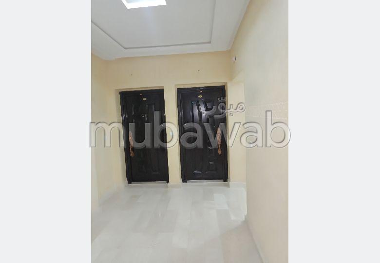 Vente d'un bel appartement à Tanger. 3 chambres agréables. Ascenseur et stationnement