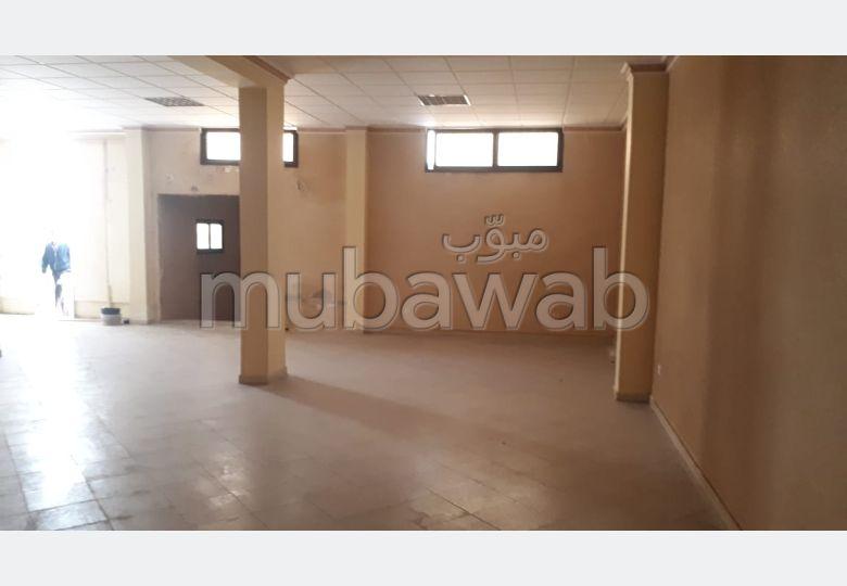 Oficinas y locales comerciales en venta. Superficie de 152 m².