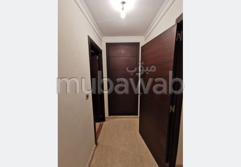 Sale of a lovely apartment. 3 Rooms. Residence with caretaker, Large swimming pool.