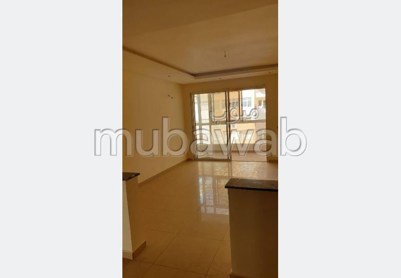 شقة رائعة للايجار بأكادير. 2 غرف.