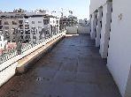 Vend appartement à Casablanca. 3 pièces. Ascenseur et terrasse