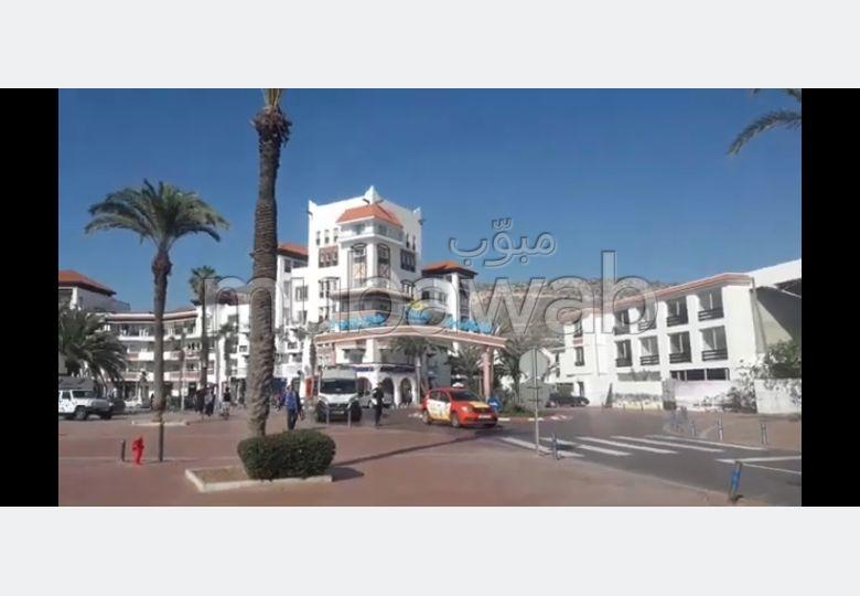 Superbe appartement à louer à Agadir. Surface de 84.0 m². Bien meublé
