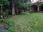 فيلا فخمة للبيع بالدارالبيضاء. المساحة 1060.0 م². حديقة وشرفة.