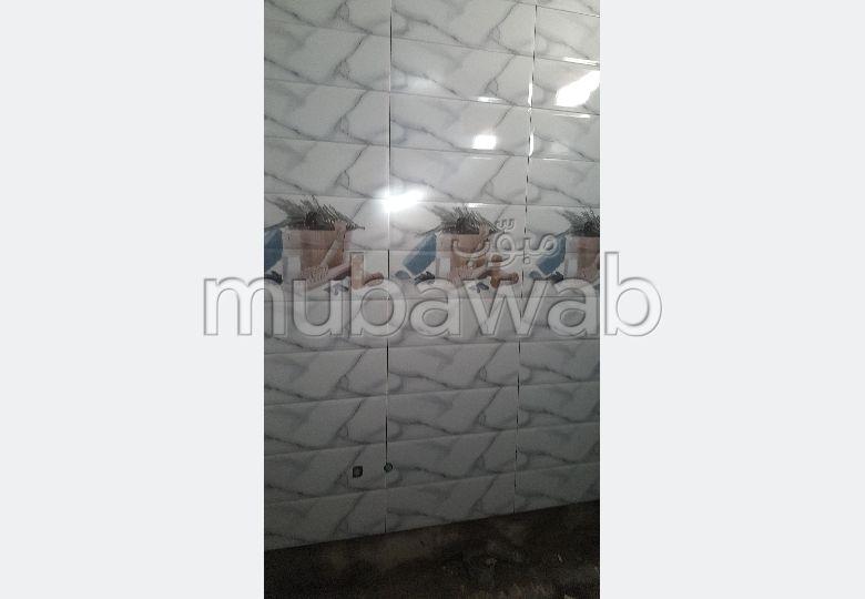 Somptueuse maison à vendre à Kénitra. 6 chambres. Antenne parabolique, résidence sécurisée