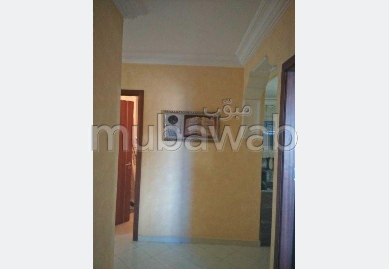 شقة رائعة للإيجار بطنجة. المساحة 100.0 م². مفروشة