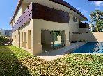 Location villa de haut standing à Bouskoura. 4 chambres. Piscine