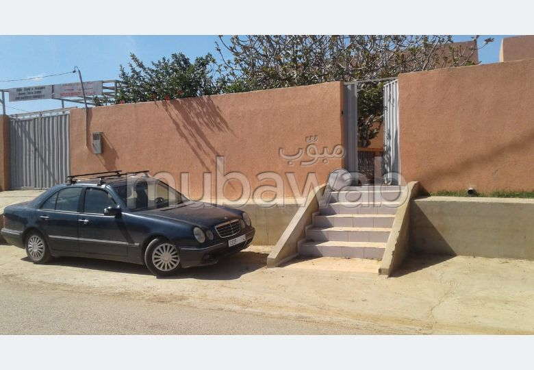 House for sale. Area of 45 m². Robust door, General satellite dish system.