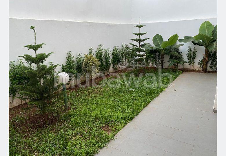 Location rez de jardin luxe bien meublé à la siesta