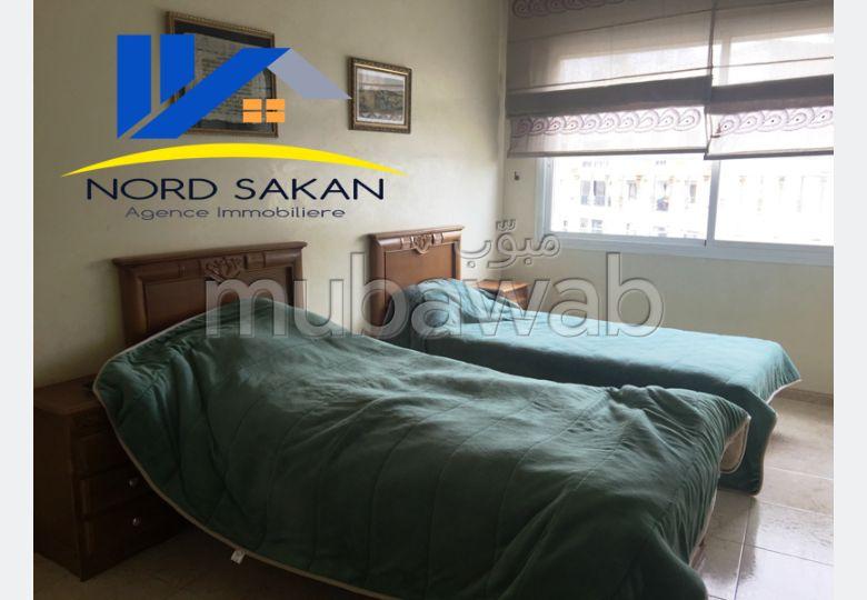 Bonito piso en alquiler. 3 Habitación pequeña. con muebles.