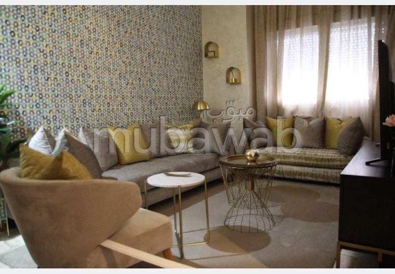 شقة للشراء ببوسكورة. 2 غرف ممتازة. مسبح  وخدمة الكونسياج.
