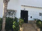 Splendide villa à vendre à Casablanca. 3 grandes pièces. Belle terrasse et jardin