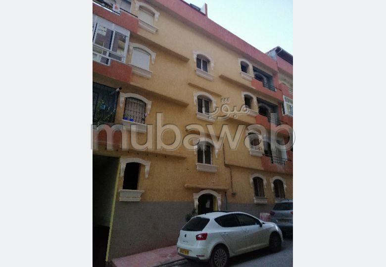 Appartement à vendre. 5 chambres. Places de parking et terrasse