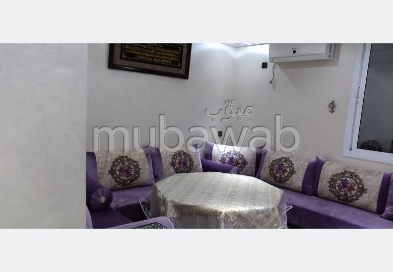Superbe appartement à louer à Agadir. 3 chambres agréables. Bien meublé.