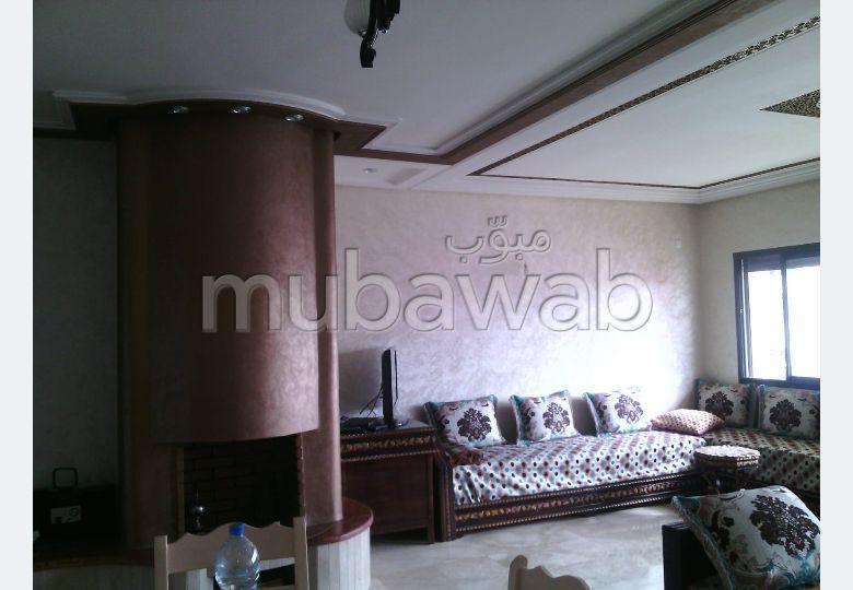 Piso en venta. 9 Gabinete. Salón con decoración marroquí, sistema de parábola general.