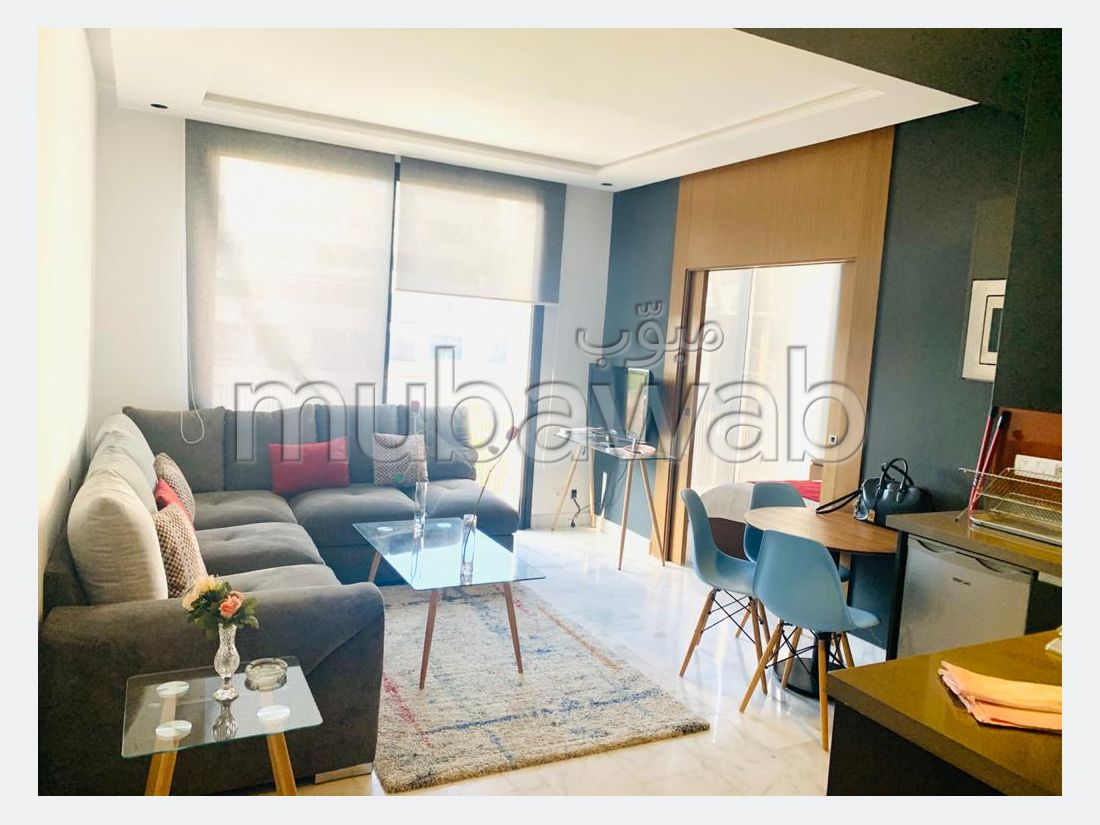 Very nice apartment for rent. 2 living areas. Parking spaces and terrace.