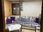 شقة جميلة للبيع بفاس. المساحة الإجمالية 89 م². المدفأة وخدمة حارس الإقامة.