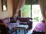 شقة جميلة للبيع بمراكش. المساحة الإجمالية 106 م². شرفة جميلة وحديقة.