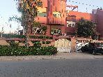 Villa de haut standing à vendre à Kénitra. 5 chambres agréables. Jardin et terrasse