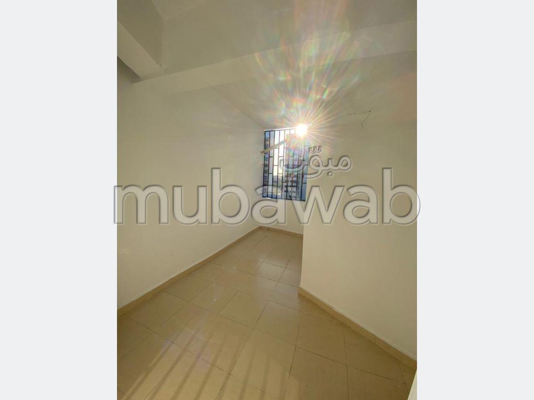 Lovely apartment for rent. 1 room. Dressing room.