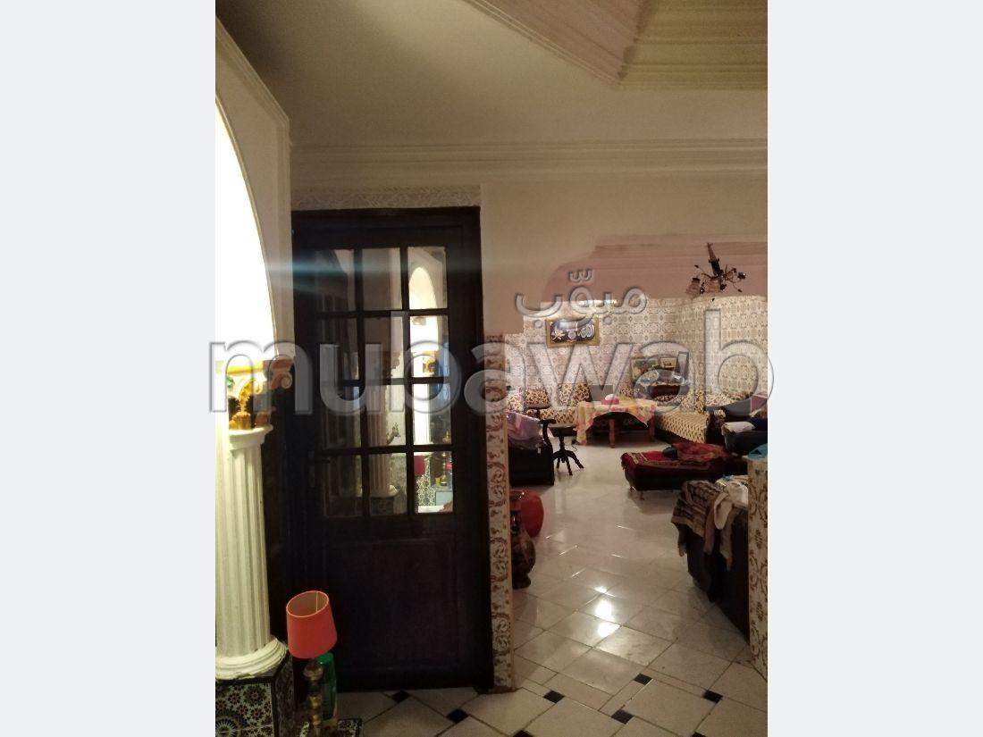Maison à la vente à Mohammedia. 1 belle chambre. Concierge
