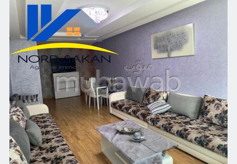 شقة رائعة للإيجار بطنجة. المساحة الإجمالية 100 م². مفروشة.