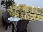 Très bel appartement en location sans vis à vis avec terrasse au Palmier 3 pièces confortables. Meublé