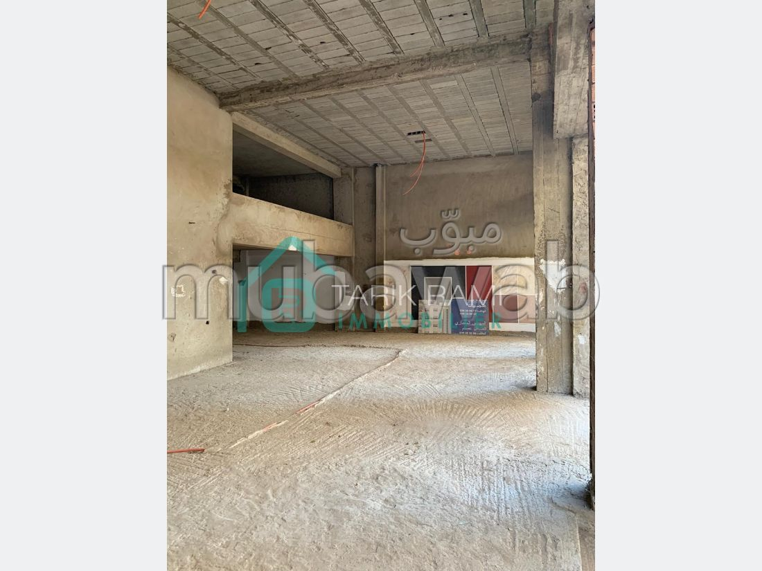 Oficinas y locales comerciales en alquiler. Pequeña superficie 220 m².
