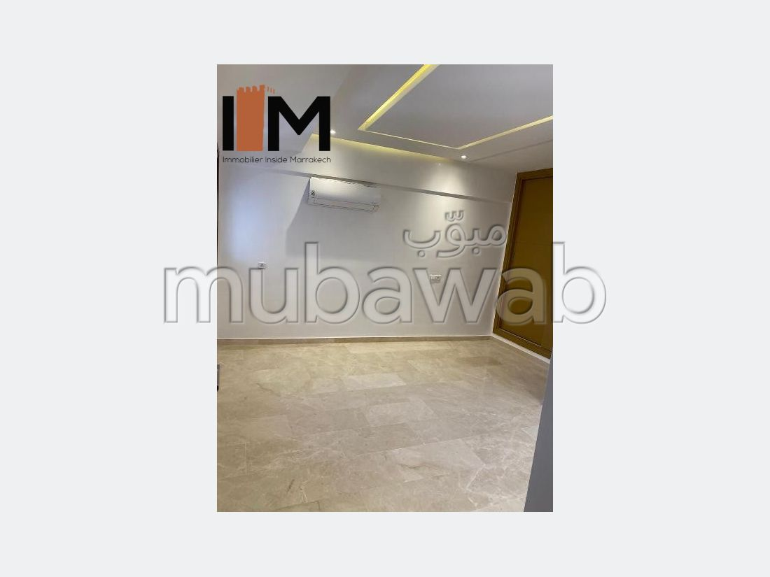 Sell apartment. Area 44 m². Parking spaces and terrace.
